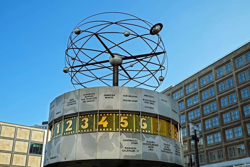 orologio urania di alexanderplatz